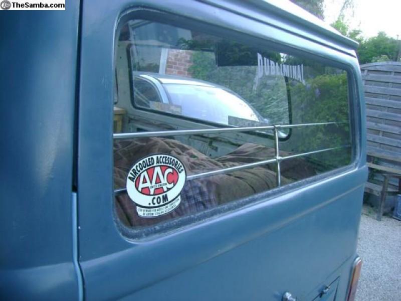 Baguettes en alu de protection de vitre arrière T2 AAC019 Sur www.dream-machine.fr