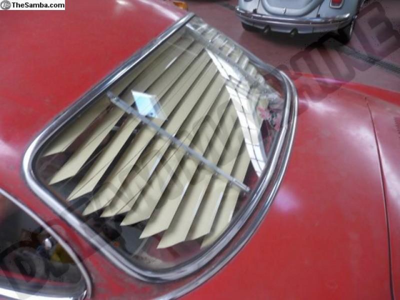 Store Jalousie de lunette arrière pour Karmann-Ghia Coupé 55 ->74  141845501IV