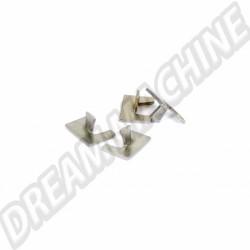 141943195 Clips de baguette chromée d'éclairage de plaque arrière Karmann Ghia, les 4