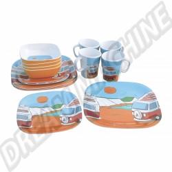 Kit vaisselle en PVC 16 pièces pour 4 personnes
