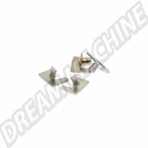 Clips de baguette chromée d'éclairage de plaque arrière Karmann Ghia. les 4 141943195 Sur www.dream-machine.fr