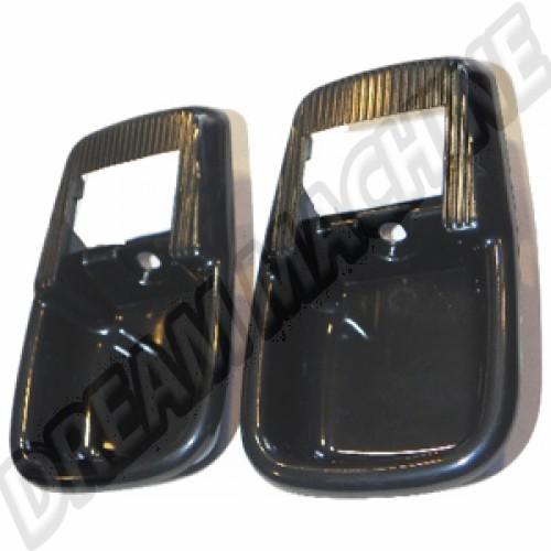 Contour de poignée de porte intérieure noire avec coquille 8/71-73. la paire 211837097 Sur www.dream-machine.fr
