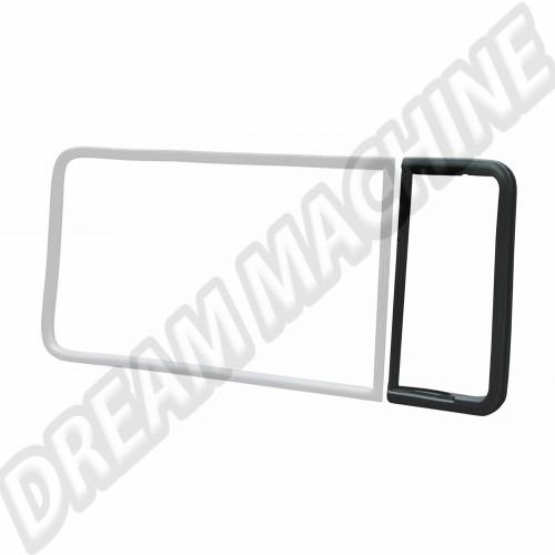 Joint de déflecteur de vitre latérale centrale ou arrière 68-->79 gauche ou droit  221847673A Sur www.dream-machine.fr